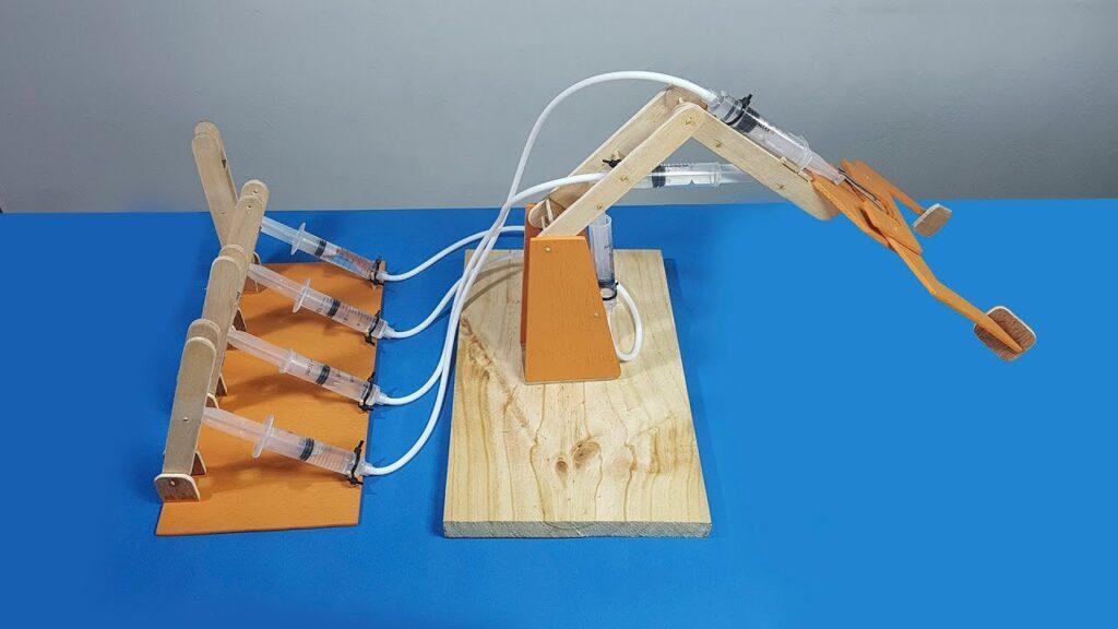 Cómo hacer un brazo hidráulico
